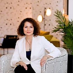 Headshot of author Kristina DiPalo