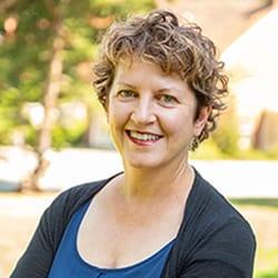 Headshot of author Wendy Edelstein